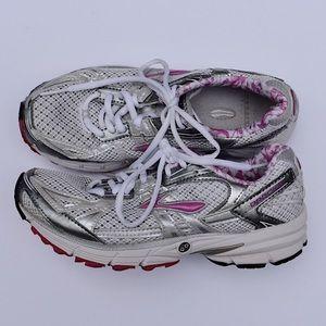 Brooks Ravenna Running Athletic Tennis Shoes// 7
